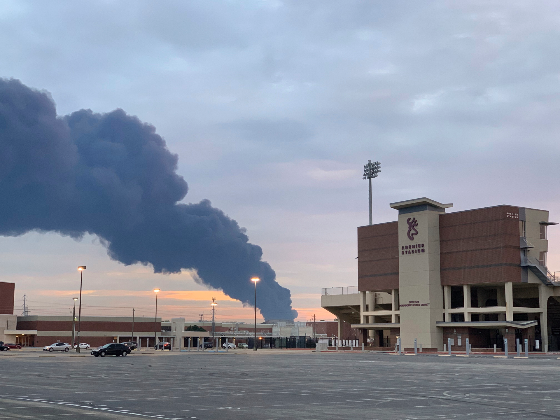 The Latest: New fire extinguished at Texas chemical plant