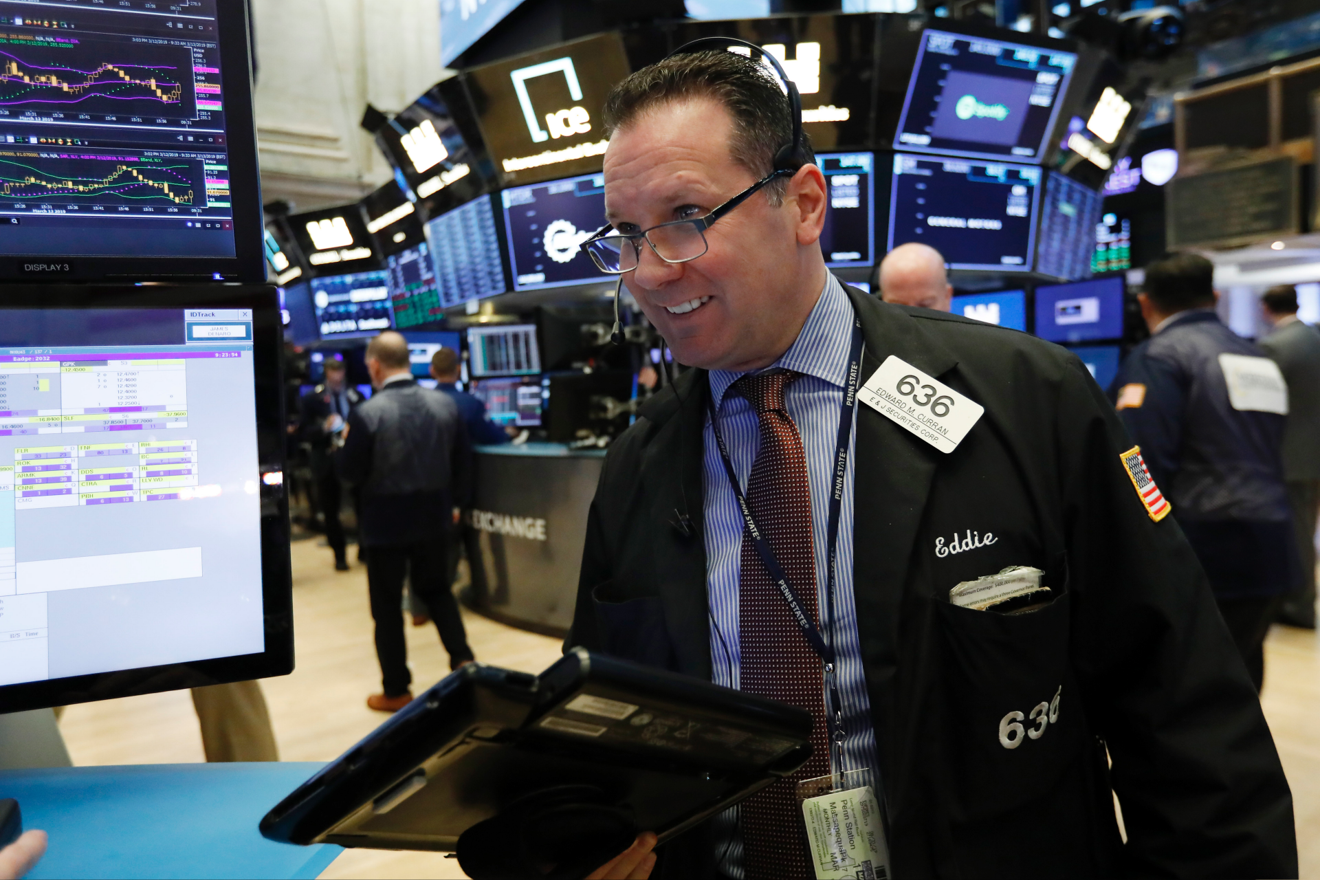 US stocks rise, led by technology and health care