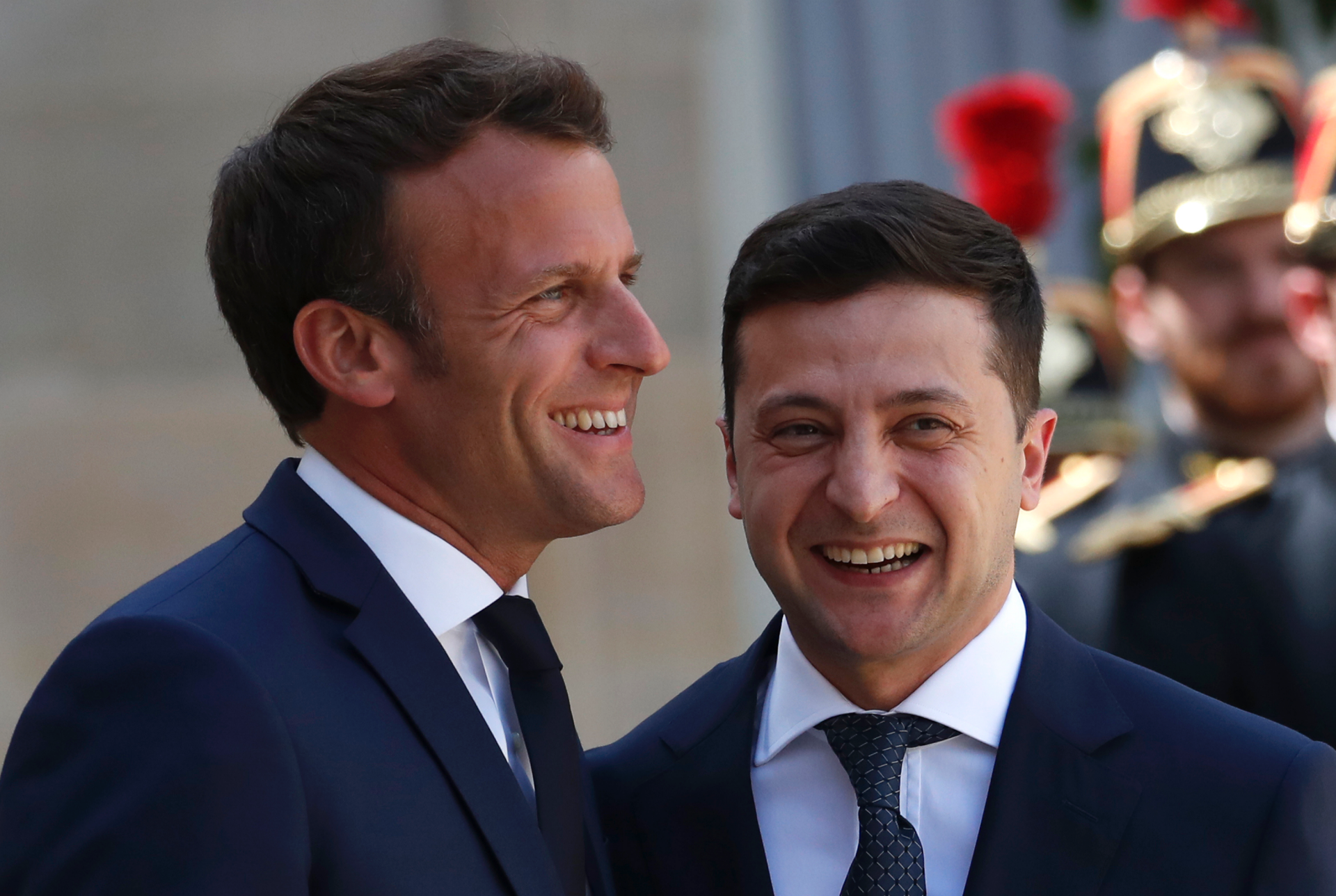 France vows to help Ukraine peace efforts