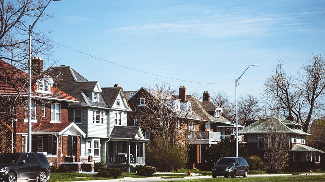 Home renovation spending slated to fall despite HGTV craze