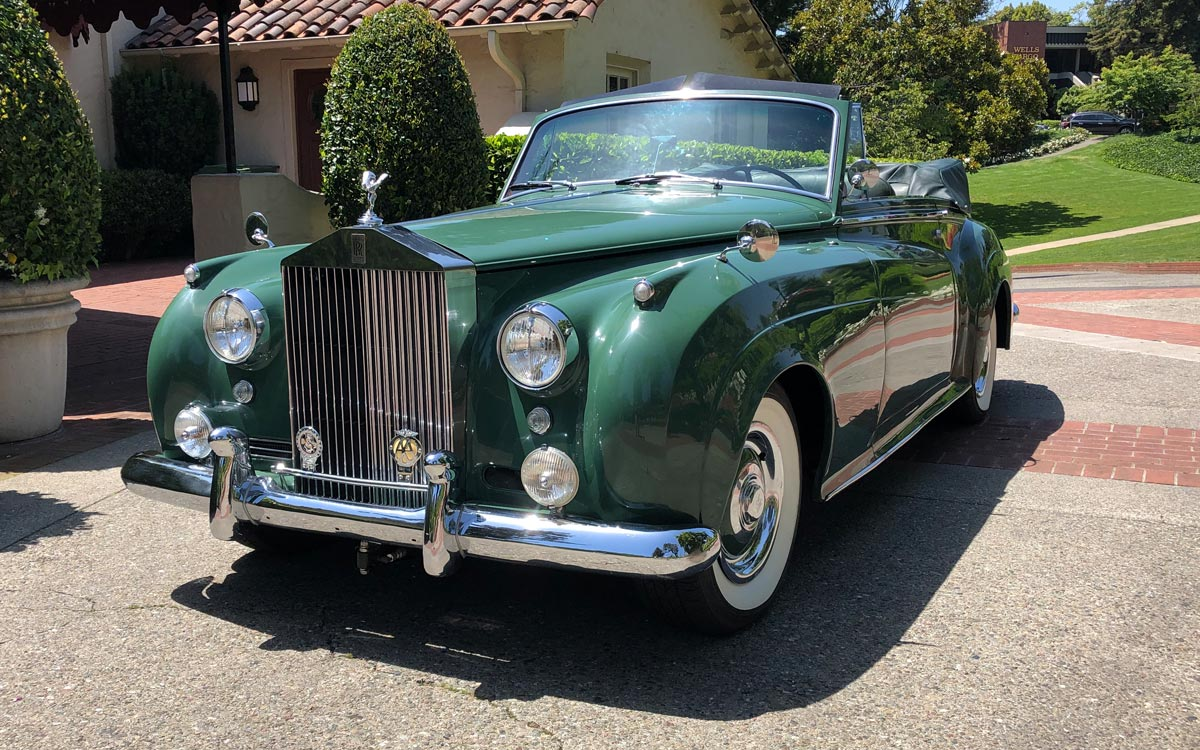 Liz Taylor's 'Green Goddess' 1961 Rolls Royce goes for $520K in auction