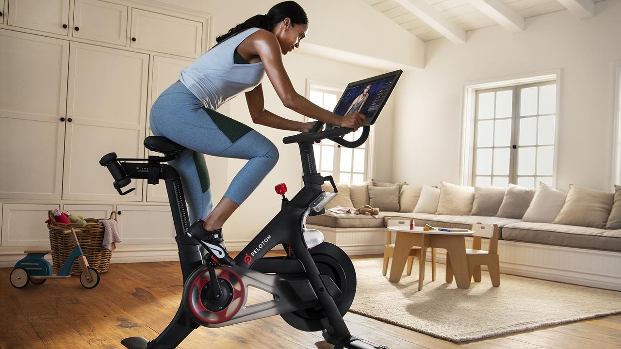 FOX Business' Kristina Partsinevelos on how gyms are struggling amid coronavirus restrictions.