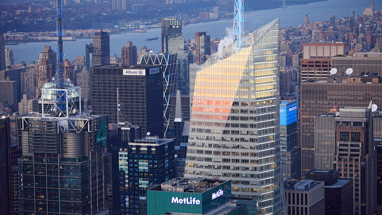NYC housing prices in near 'free fall,' conditions mirror recession era following tax hikes