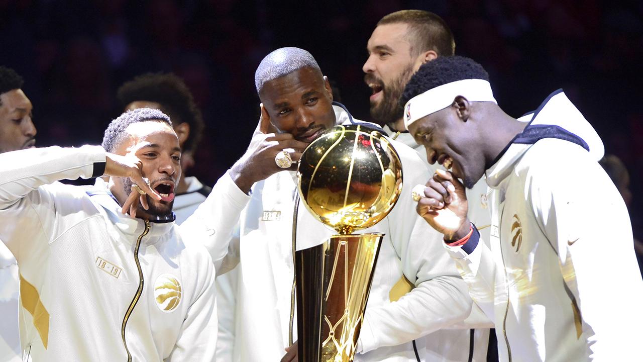 Drake, Raptors receive really big NBA championship rings