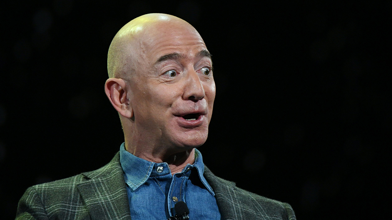 Saudis may be cleared of leaking racy Jeff Bezos texts to National Enquirer: Report