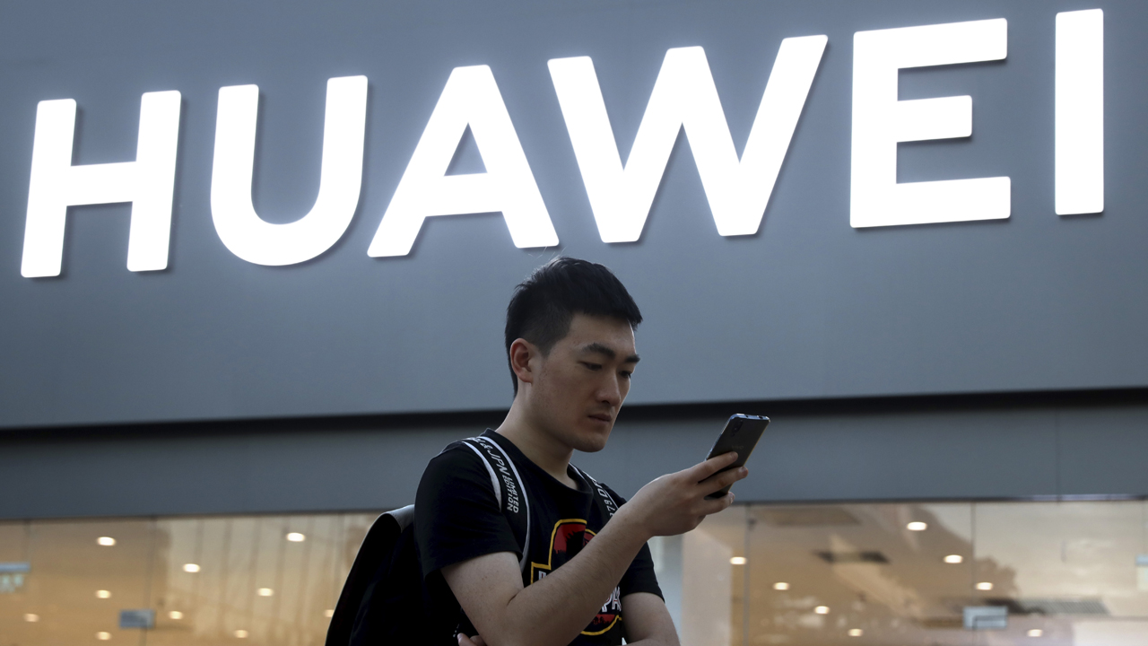 Huawei preparing lawsuit against FCC after US subsidy ban