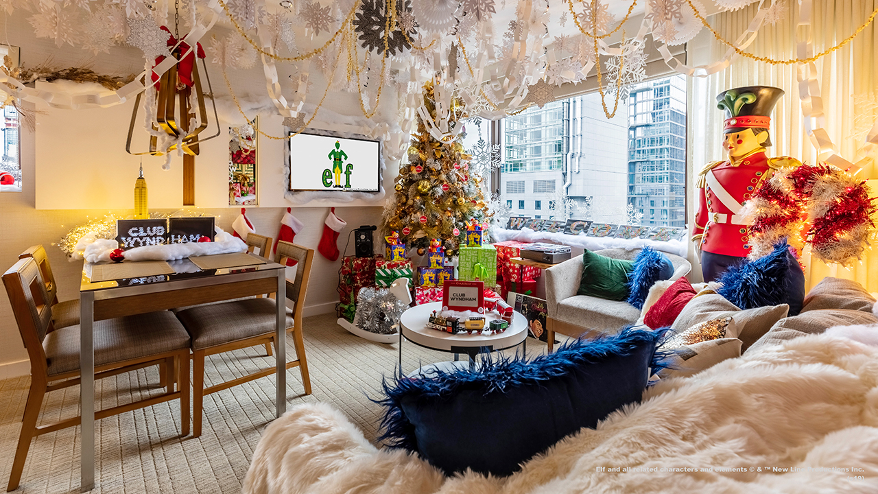 Hotel spreads Christmas cheer with decked out Buddy the Elf themed suite