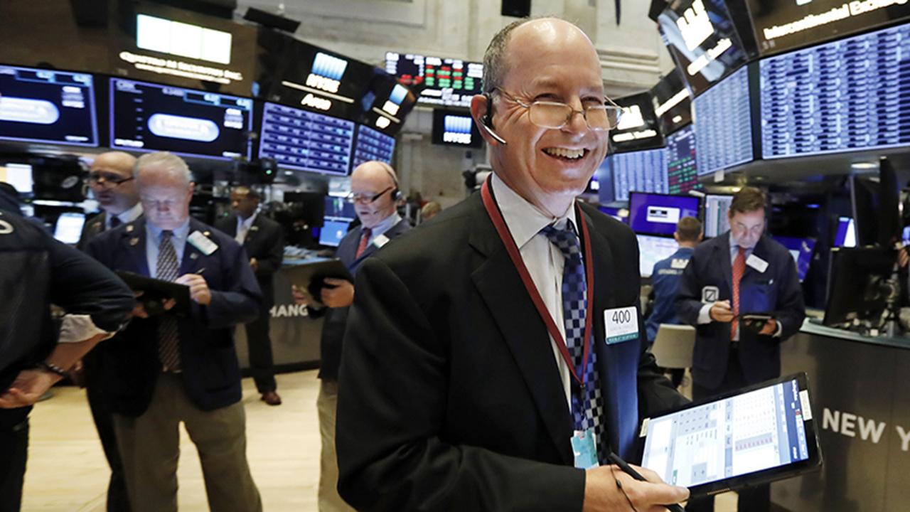 Stocks bounce back, try to fight off coronavirus