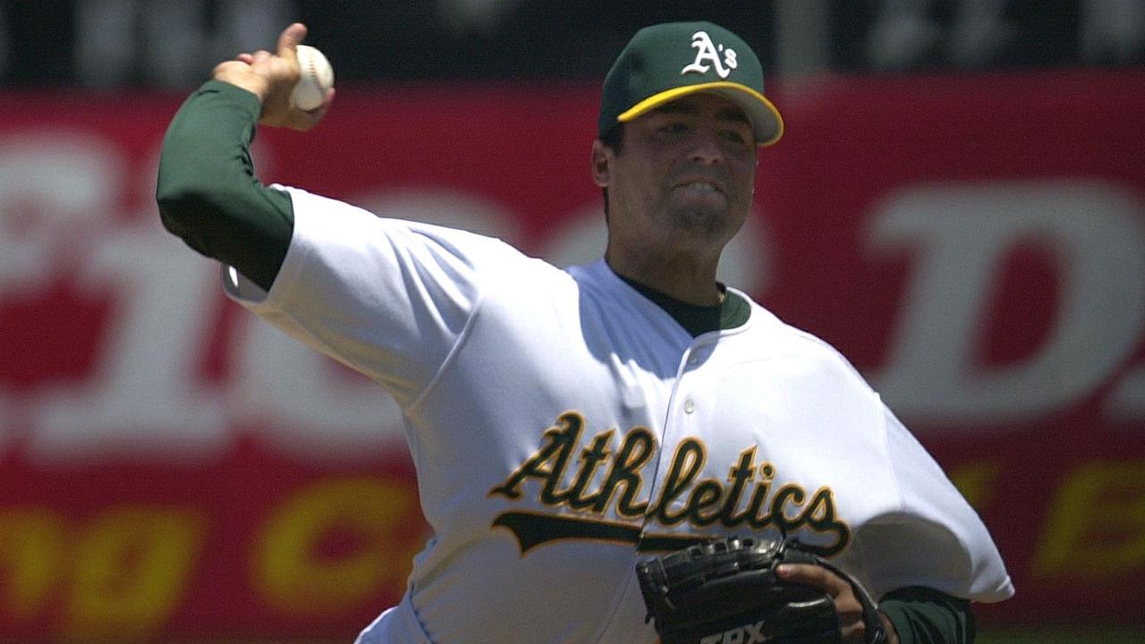 Missouri man stole MLB pitcher's identity to sell phony autographs, police say