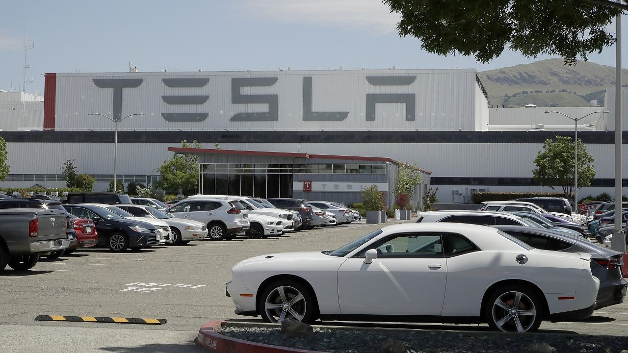 'Tesla Daily' host Rob Maurer discusses how the electric vehicle company aims to build 1.5 million vehicles per year through their battery production.