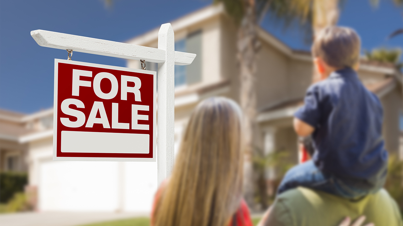 Luxury real estate specialist Katrina Campins discusses the nearly 10% increase in female homebuyers during the coronavirus pandemic.