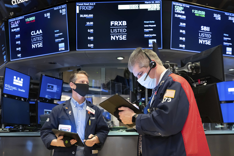 US stocks trading mixed following similar result day earlier