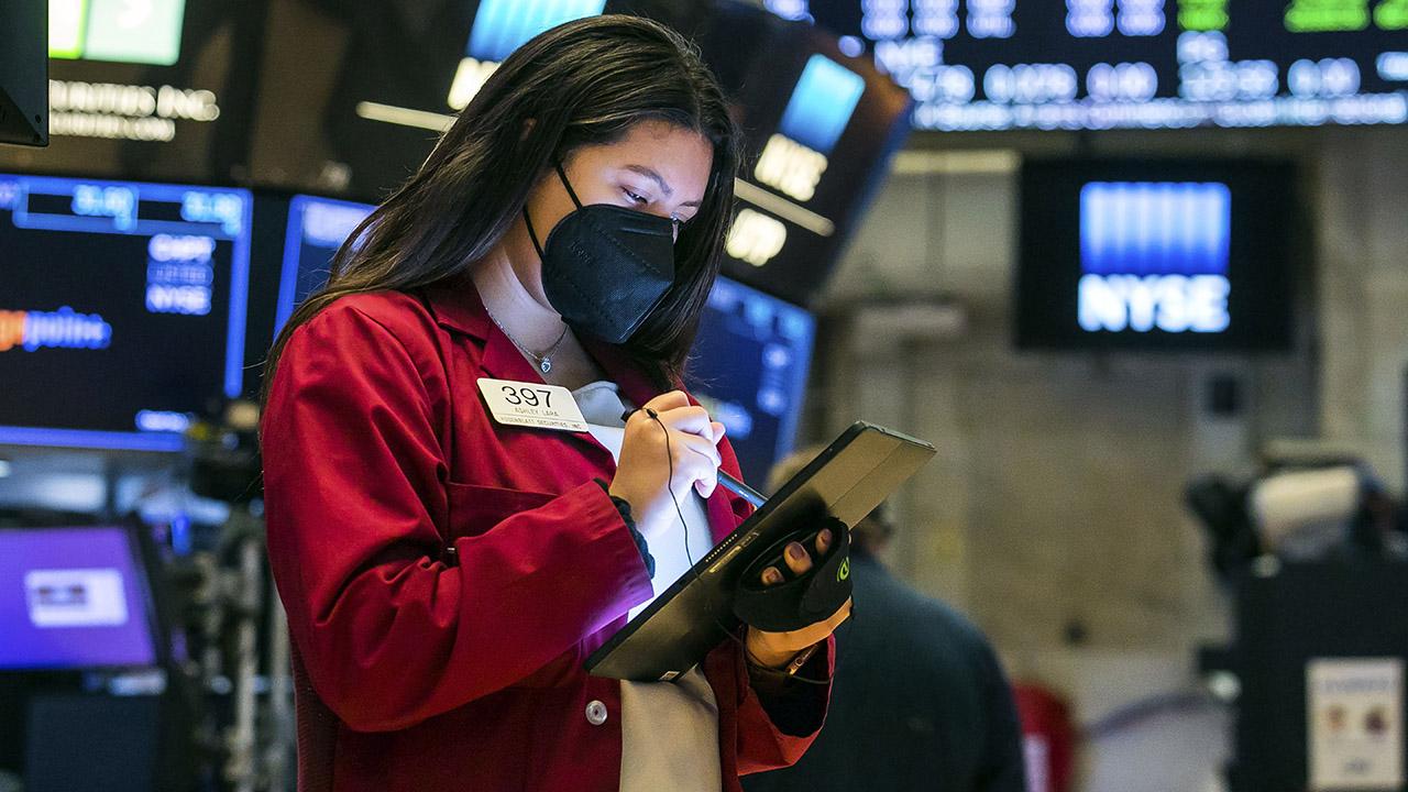 Stocks slump as 10-year yield hits highest level since January 2020